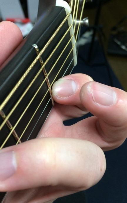 ギターのD♭Major7コードのフォーム(人差し指アップ)