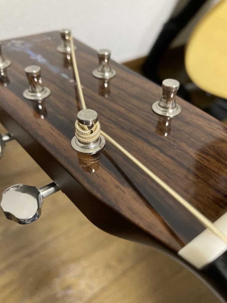 アコギ弦交換 ペグに弦を巻き付ける